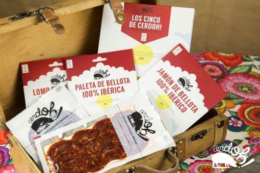 Detalle del pack de sobres los cinco de cerdoh!